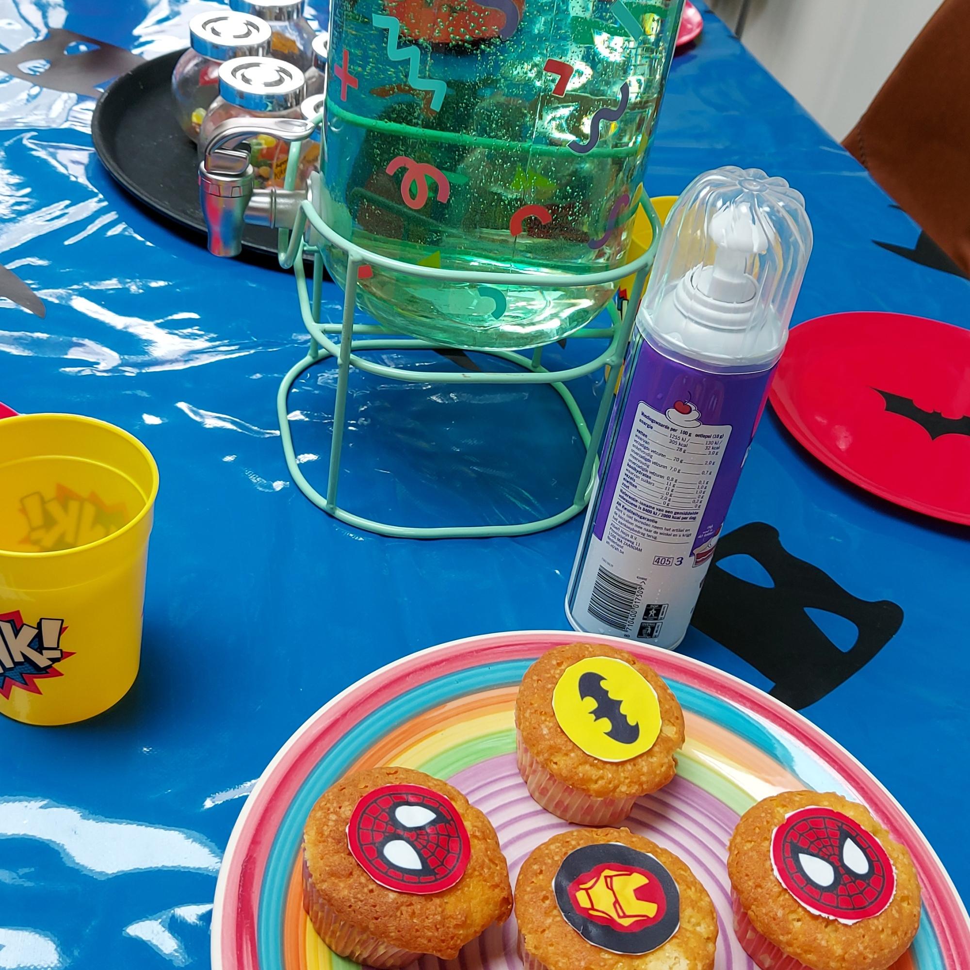 Superheldenkist kinderverjaardag Leiden